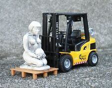 Forklift Miniature w Archaeological Pallet Freight Load 1/24 Scale Diorama Items