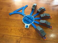 Thomas the tank Engine | Trackmaster Turntable and engine sheds/Sodor Roundhouse