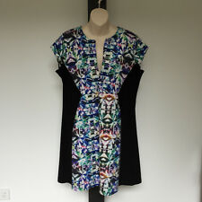 'MOTTO' EC SIZE '16' BLACK MULTI PRINT CAP SLEEVE 'V' NECKLINE DRESS