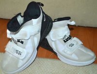 Nike Lebron James Soldier XIII Basketball Sneakers Mens 12 SFG TB White Black 24