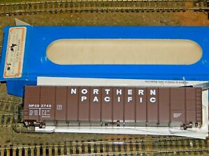 E&C Shops HO #0132 Northern Pacific 62' Woodchip Gondola Ribbed Side #582749 NEW
