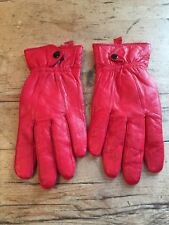 RED LEATHER DRIVING GLOVES - SIZE M - LINED - SNAP AT WRIST