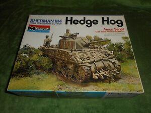 MONOGRAM 4201, 1/32 M4 SHERMAN HEDGE HOG PLASTIC MODEL KIT