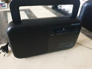 Radio Intersound TR-10 mit Stromkabel oder Batteriebetrieb
