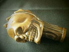 Pommeau canne bronze & Tète de mort avec main & death head with bronze hand