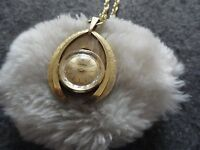 Pretty Swiss Made Endura Wind Up Vintage Necklace Pendant Watch