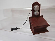 MES-56082Neuzeitliches Puppenstuben Wandtelefon Holz H:ca.55mm,