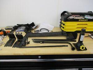2003-2013 Chevrolet Silverado  GMC SIERRA 1500 Jack With Tools OEM LOT 4X4 2WD