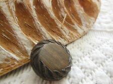bouton ancien vintage marron résine coeur effet bois diamètre: 2,3 cm G11B
