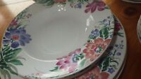 Porcelain Dinnerware Set Theresa by Farberware s/4 Chop Plate VGUC 17 pieces
