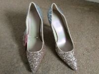 V by Very 2 Toned  Heeled Shoes Size 7 EUR 40