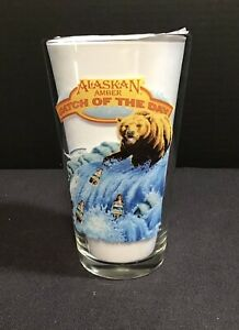 Alaskan Amber Beer Glass Catch Of The Day Grizzly Bear Fishing Alaska 16 oz