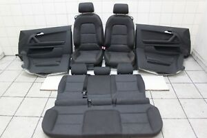 Audi A3 8P1  - Innenausstattung Sitze Rücksitzbank mit Türpappen