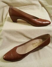 Salvatore Ferragamo Women's Brown Leather Toe Eyelet Dress Heels Size 8.5AA