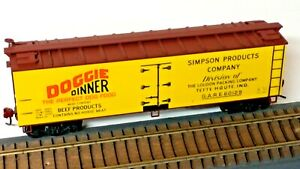 """HO Scale, Accurail """"Doggie Dinner"""" Old-Time Billboard Wood Reefer, Terre Haute"""