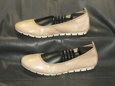 Born D86717 women's tan leather closed toe flat pumps shoes size 9 M