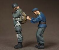 1/35 Resin WWII German Paratroopers Get Ready unpainted unassembled CK102