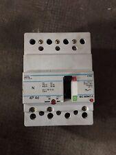 Disjoncteur Hager /  4P 25kA 125A