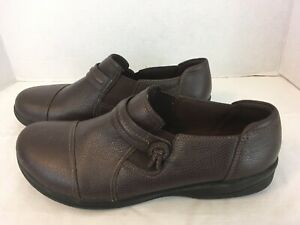 Clarks Collection Pebbled Brown Leather Mules Clogs Slip On Size 11 / 42.5 EU