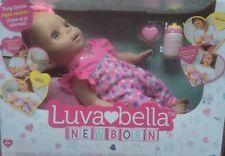Luvabella Newborn interaktive Baby Puppe 43cm mit Mimik Bewegung Babylaute NEU
