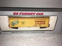Vintage A.H.M. HO Scale Supreme in Flavor Merchant Biscuit Co.Reefer Car #3905