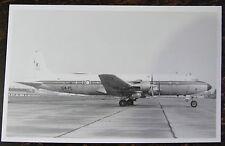 AVIATION, PHOTO AVION DC6B , 64 PL , SUR LA PISTE