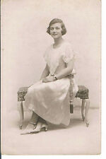 POSTCARD A VERY PRETTY YOUNG WOMAN - IDEAL STUDIOS 120 WESTERN RD HOVE C1925