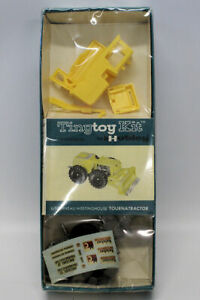 ULTRA RARE Vintage 1962 HUBLEY 'TINY TOY' TOURNATRACTOR Tractor Model Kit SEALED