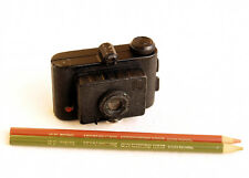*c1950* ●  IDAM France  CLIC Subminiature ●  3x3 cm cast-metal camera