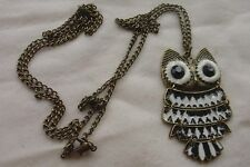 Vtg Retro Black & White Articulated Owl Pendant Necklace