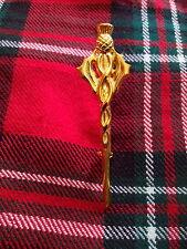 Escocés Tejido ADORNAR silbato diseño Broche De Kilt chapado en oro / Cardo Pin