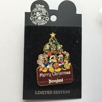 DLR - Merry Christmas 2004 Mickey & Gang LE 2500 Disney Pin 34989
