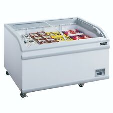 New Dukers Wd-500Y Commercial Chest Freezer in White
