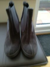 Pedro Garcia designer new grey sued ankle boots size uk4 eur37  very smart boot.