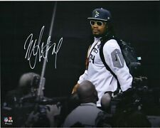 MARSHAWN LYNCH Press Conference - Autographed 8x10 Photo (RP)