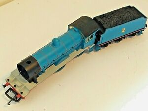Hornby Thomas and Friends 4-4-0 OO Gauge Locomotive - Edward No 2 w/ Tender