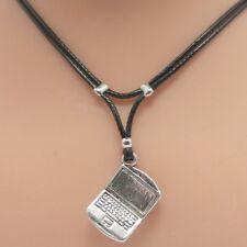 Collier pendentif  ordinateur portable argenté - cordon noir - laptop necklace