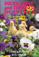 ROBERTS VICTORIA POULTRY BOOK DUCKS GEESE & TURKEYS hardback BARGAIN new