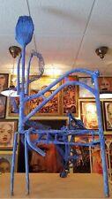 Escultura Juan Gorriti Navarra Silla Escoba Homenaje Jorge Oteiza en Pamplona
