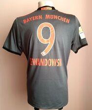 Bayern Munich 2016 - 2017 Away football shirt #9 Lewandowski