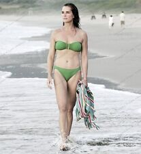 8x10 Print Brooke Shields Beach Bound Sexy as Ever #BS26