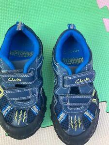 Clarks dinosaur shoes size 7 G