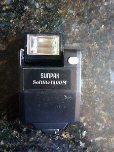 Universal flash Sunpak  for SLR film camera