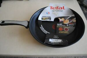 Tefal Expertise Frypan 32 cm - Black