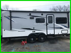 2017 Jayco Jay Feather 7 19XUD Travel Trailer RV 22' Sleeps 8 Queen Bed Dinette