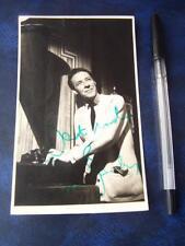 Robin Bailey  Autograph (TW1)