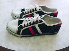 Vintage canvas Bata shoes size 9 good condition. Rare