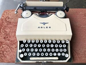 Antique VINTAGE 1949 Adler Favorit 2 Typewriter W/CASE, Germany