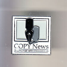 RARE PINS PIN'S .. ART LIVRE ECRIVAIN PRESSE ECRITURE PLUME STYLO COPY NEWS ~CK