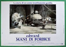 T44 FOTOBUSTA EDWARD MANI DI FORBICE JOHNNY DEPP TIM BURTON 2